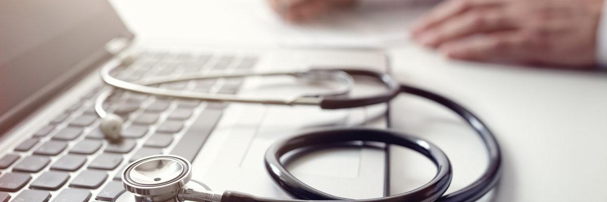 Verdacht auf Krankfeiern? Was Arbeitgeber tun können.