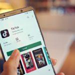 Foto Smartphone mit TikTok App